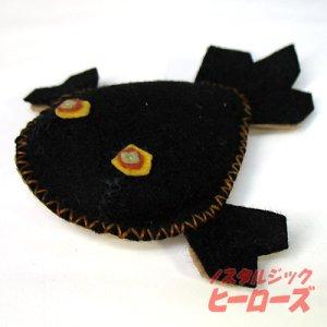 画像1: レトロな金魚のフエルト人形